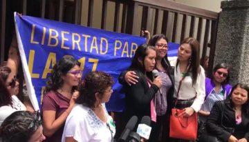 El Salvador: Absuelven a Evelyn Hernández, la joven acusada de homicidio agravado tras un aborto espontáneo.