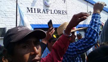 """Indígenas de Chaco toman municipalidad y comisaría por femicidio wichí: """"todas las mamás pedimos justicia"""""""